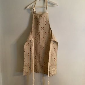 NWOT Pottery Barn / West Elm Red Arrow adult apron